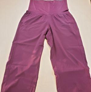 LULULEMON OM Crop Yoga Pant in Black Cherry sz 6